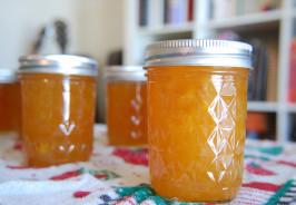 Jars of Delicious Peach Lemon Jam